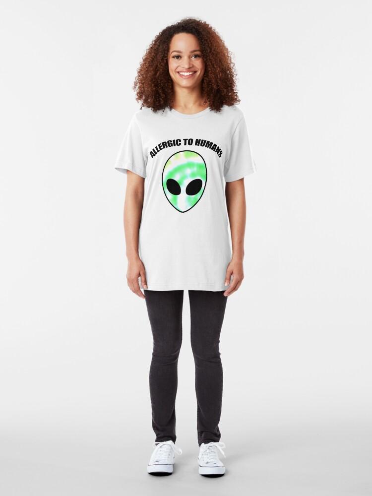 Alternative Ansicht von Allergiker für Menschen - Tie Dye Alien Print Slim Fit T-Shirt