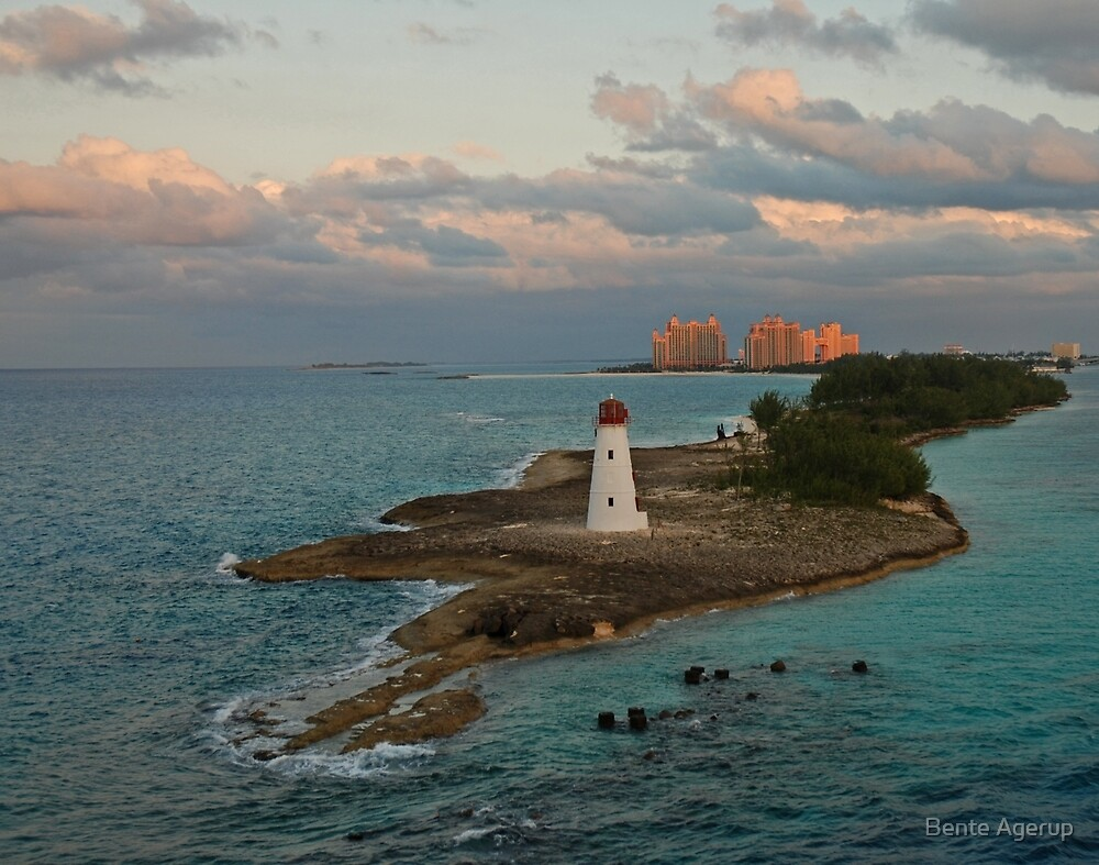 Nassau - The Bahamas by julie08