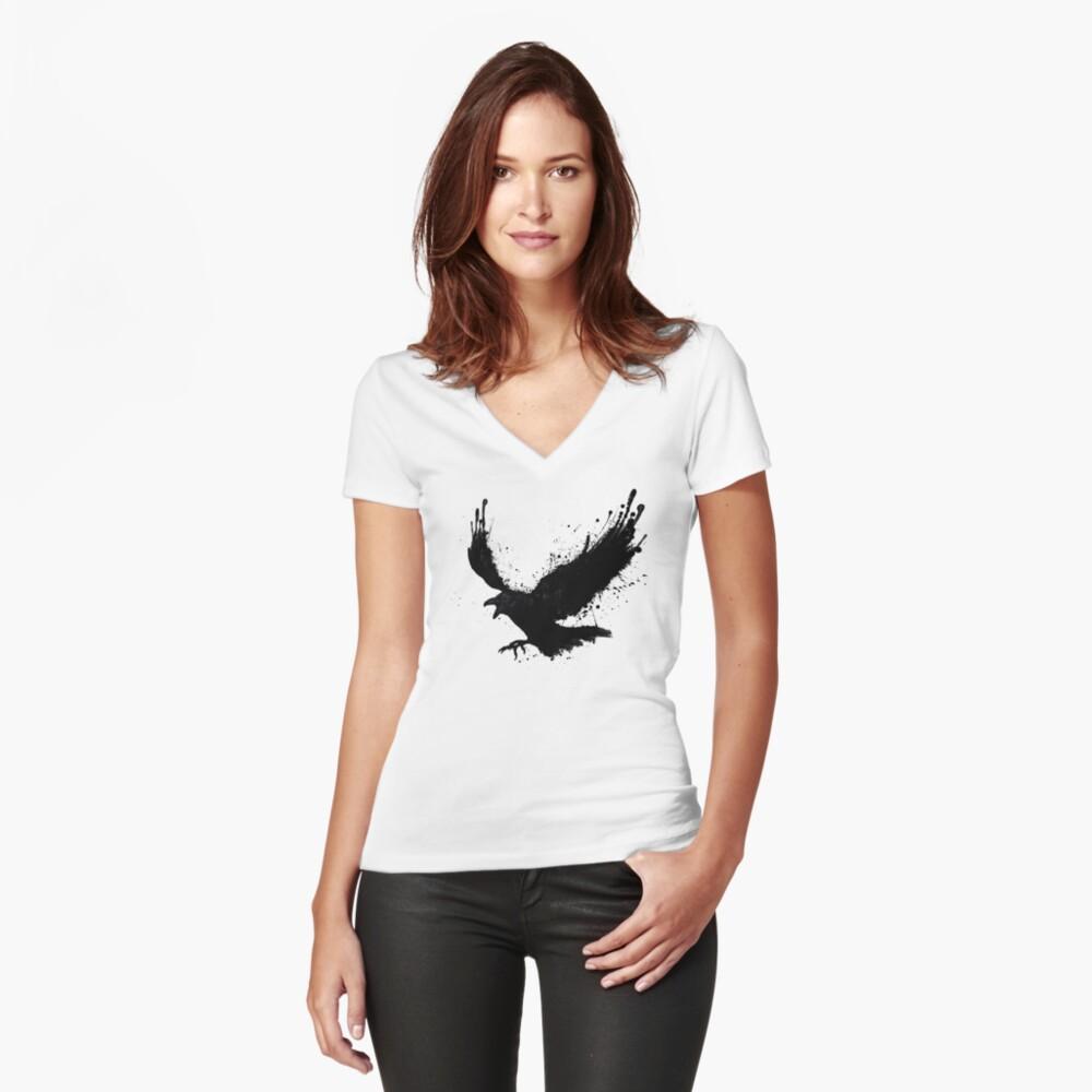 Cuervo Camiseta entallada de cuello en V