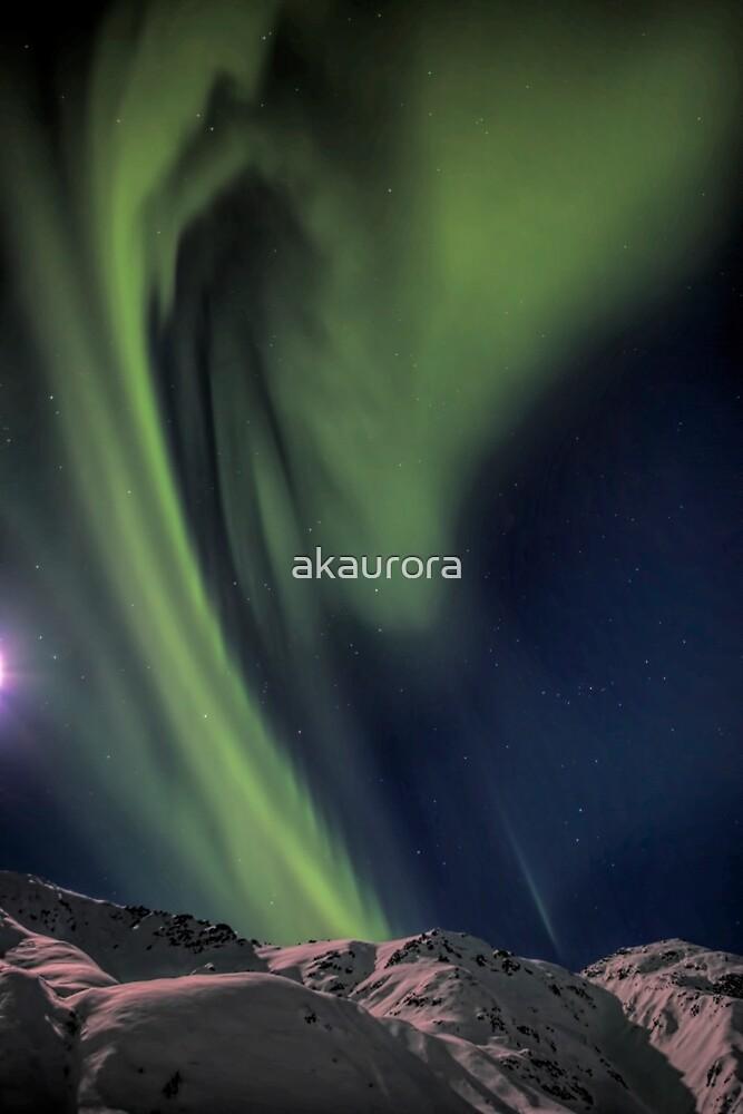 Moon Lit Aurora by akaurora
