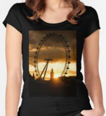 Framing the Sunset in London - the London Eye and Big Ben  Women's Fitted Scoop T-Shirt