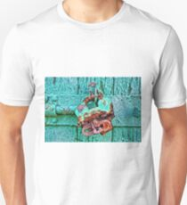 Old Lock on wooden gate Unisex T-Shirt