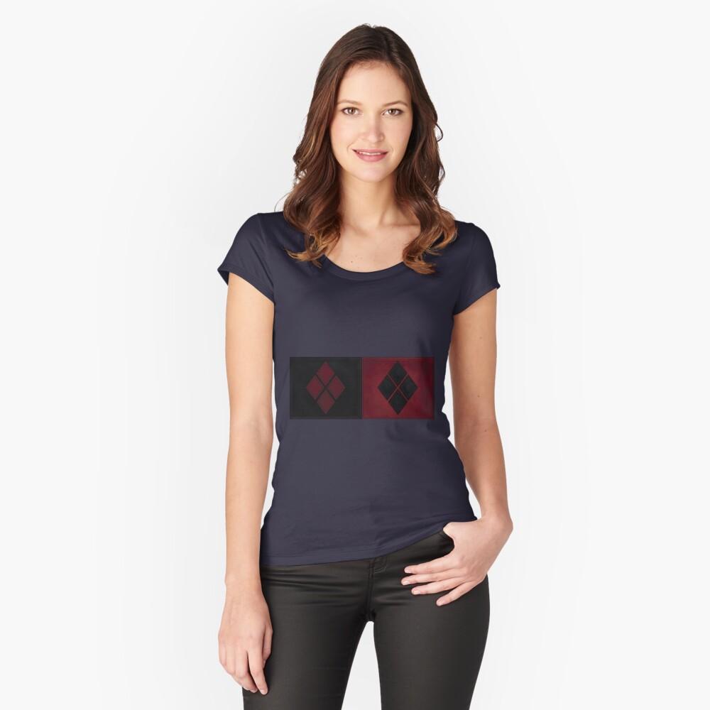 Patchwork Red & Black Leder Effekt Motley mit Diamant Patches 4 Tailliertes Rundhals-Shirt