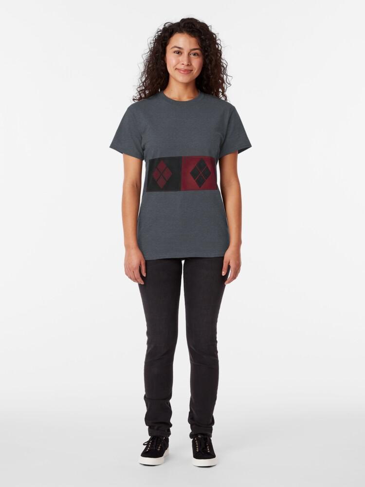 Alternative Ansicht von Patchwork Red & Black Leder Effekt Motley mit Diamant Patches 4 Classic T-Shirt