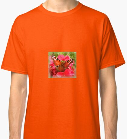 Peacock butterfly on geranium Classic T-Shirt