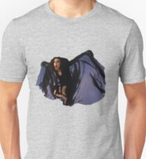 kate bush BAT THE DREAMING Unisex T-Shirt