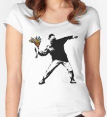 Camiseta entallada de cuello ancho Banksy - rabia, lanzador de flores