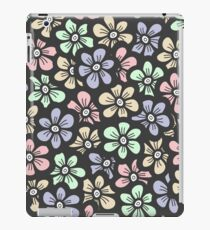 Cute retro color floral pattern iPad Case/Skin