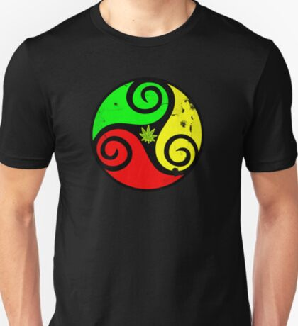 Reggae Rasta Love Vibes - Cool Cannabis Reggae Flag Design T-Shirt