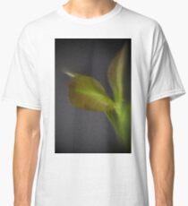 GREEN LEAVES CLOSEUP  Classic T-Shirt