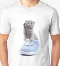 Charming fluffy kitten British cat T-Shirt