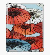 Regenschirme im asiatischen Stil iPad-Hülle & Klebefolie