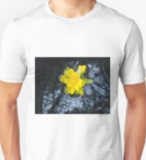"''Such a Narcissus"" natural floral photo product Unisex T-Shirt"