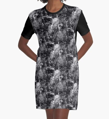 squirrel and the tree king Graphic T-Shirt Dress