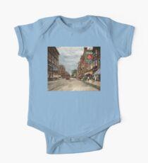 City - Lowell MA - A dam good company 1908 Kids Clothes