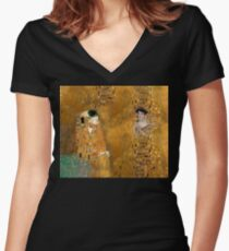 Klimt -  Woman in Gold - The Kiss Women's Fitted V-Neck T-Shirt