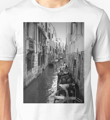 Gondoliers Getting Ready ~ Black & White T-Shirt