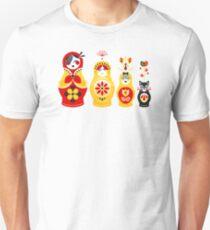 Russian Nesting Dolls – Yellow & Red Unisex T-Shirt