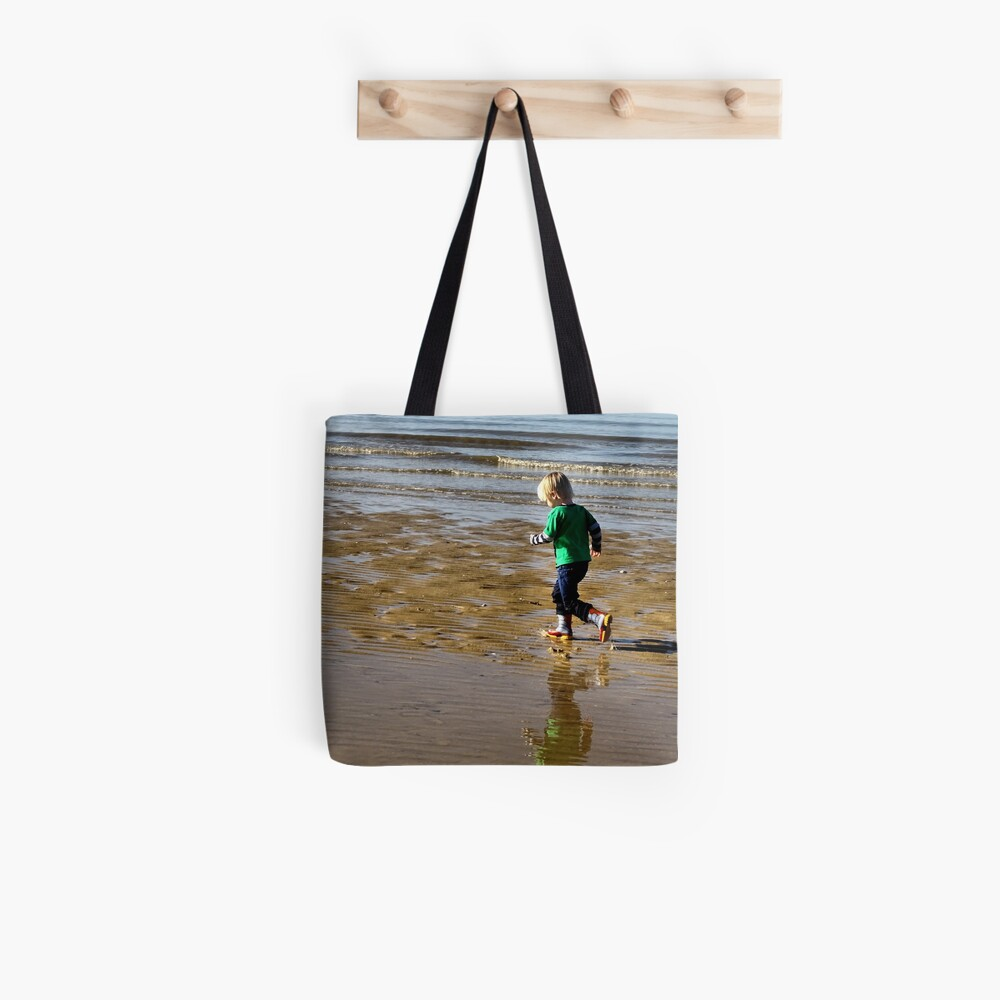 Shore run Tote Bag
