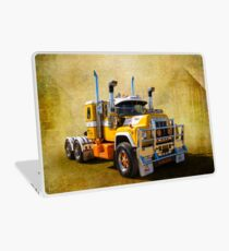 R Model Mack Laptop Skin