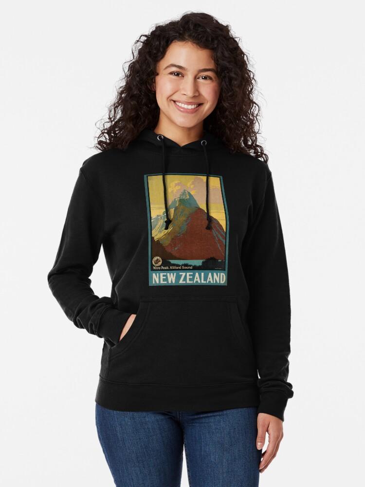 Vista alternativa de Sudadera ligera con capucha Cartel vintage - Nueva Zelanda