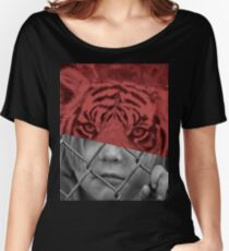 CAPTIVE Women's Relaxed Fit T-Shirt