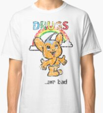Pipo-Kun - Drugs Are Bad - Distressed Classic T-Shirt