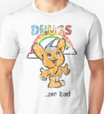 Pipo-Kun - Drugs Are Bad - Distressed T-Shirt