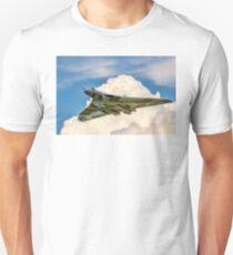 Avro Vulcan B.2 XH558 - Spirit of Noise? Unisex T-Shirt