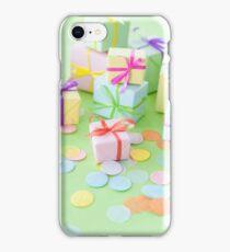 Viele bunte Geschenke zum Geburtstag iPhone Case/Skin