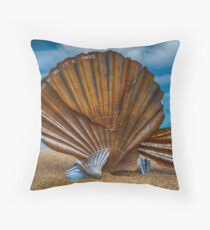Aldeburgh Scallop Shell Throw Pillow