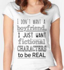 Camiseta entallada de cuello ancho No quiero novio, solo quiero que los personajes ficticios sean REALES