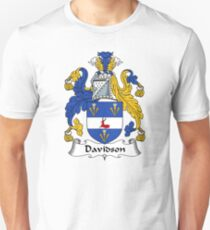 Davidson Coat of Arms/Family Crest T-Shirt