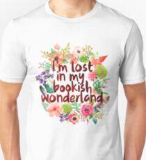 I'M LOST IN MY BOOKISH WONDERLAND  Slim Fit T-Shirt