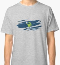 ANDROID EATS APPLE ! Classic T-Shirt