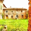 Pieve di Tho: courtyard with well by Giuseppe Cocco