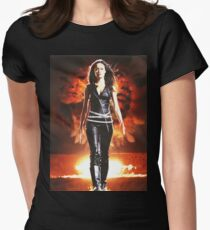 Summer Glau - BADASS WOMEN T-Shirt