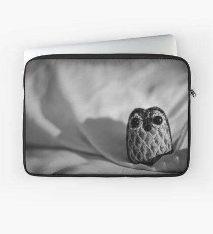 Unintentional Night Owl - The Flightless Fowl Laptop Sleeve