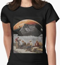Crescent Point Womens Fitted T-Shirt