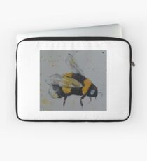 Bumble bee in flight Laptop Sleeve