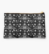 Large Skull and Star Pattern Illustration Studio Pouch