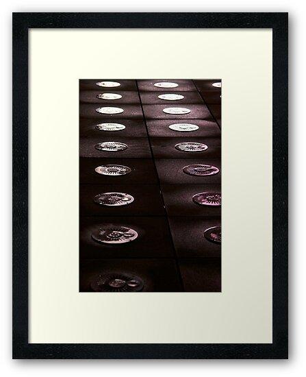 Reflecting discs by brilightning