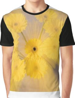 Yellow flower with zoom blur Graphic T-Shirt