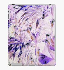 Purp on the leaves iPad Case/Skin