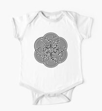 Modern Maze - brain game | Laberinto moderno - juego mental One Piece - Short Sleeve