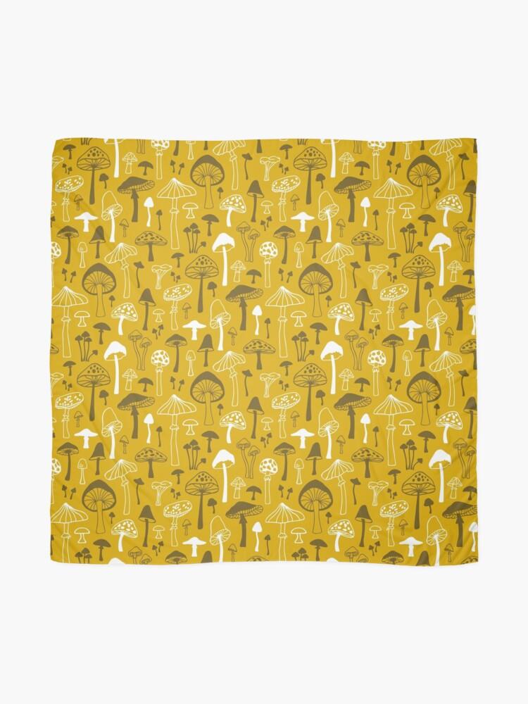 Alternative Ansicht von Pilze in Gelb Tuch
