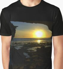 Watching the sun go down Graphic T-Shirt