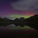 Cradle Mountain Aurora Australis by tinnieopener