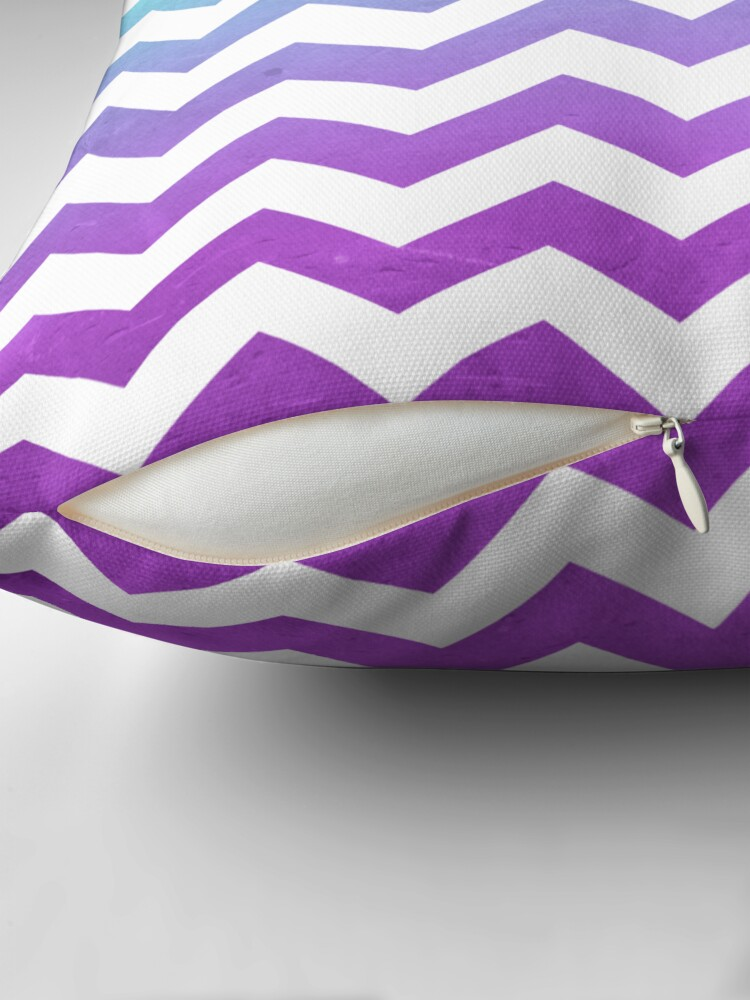 Vista alternativa de Cojín Purple Mint Aqua Ombre Chevron Pattern