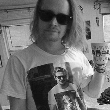 Macaulay Caulkin wearing a T-shirt of  Ryan Gosling wearing a T-shirt of Macaulay Caulkin  by Grod2014